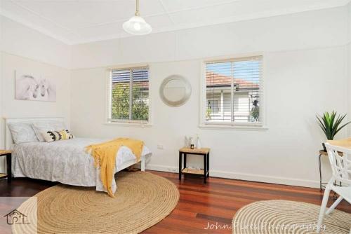 Upper Kedron Real Estate Image